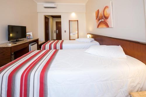 Hotel Carlton Plaza Photo