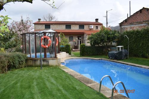 Casa Rural Os Carballos In Spain