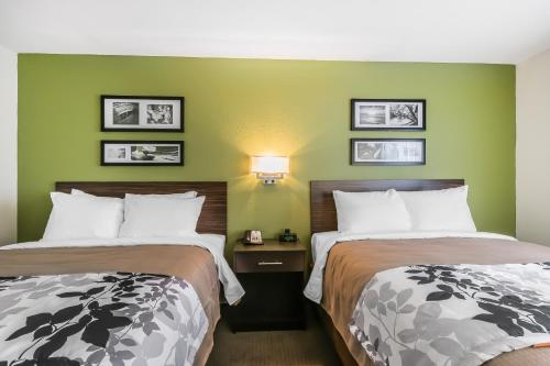 Sleep Inn & Suites Columbia - Columbia, KY 42728