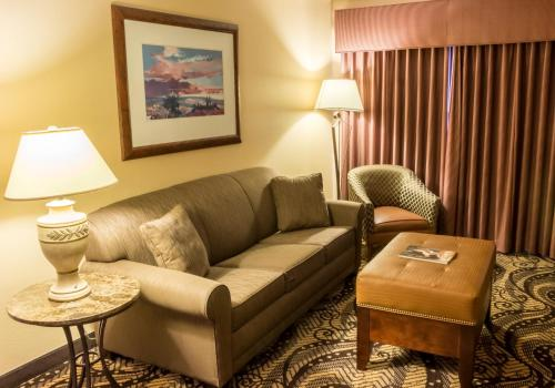 MCM Elegante Lodge & Suites Photo