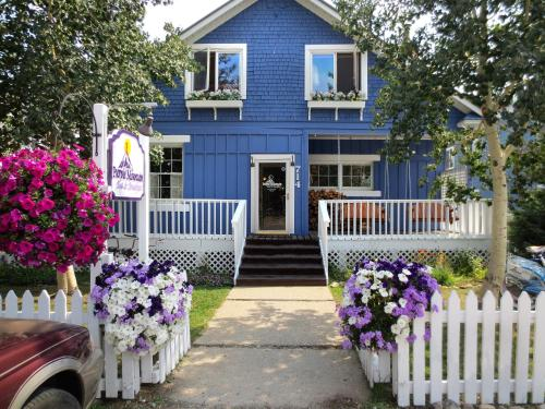 Purple Mountain Bed & Breakfast & Spa