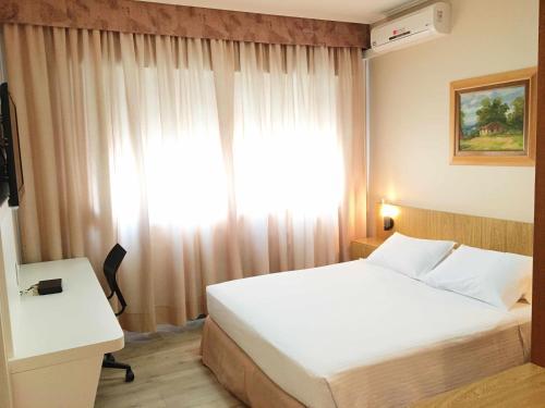 Cosmos Hotel Photo