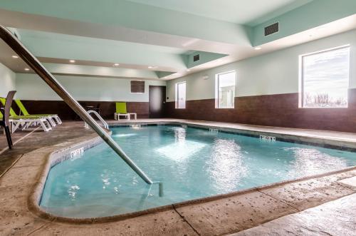 Comfort Inn & Suites Augusta - Augusta, KS 67010