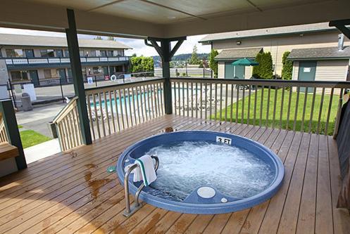 Poulsbo Inn & Suites - Poulsbo, WA 98370
