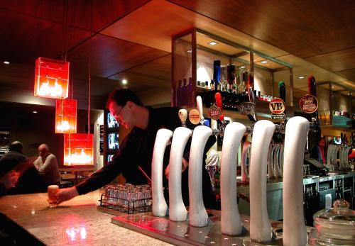 Sovereign Park Motor Inn