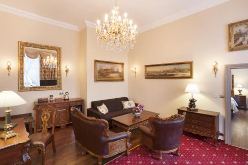 The Iron Gate Hotel & Suites - 17 of 102