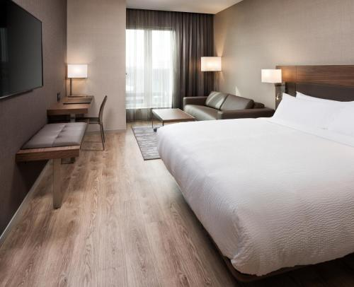 Ac Hotel By Marriott Bloomington Mall Of America - Minneapolis, MN 55425