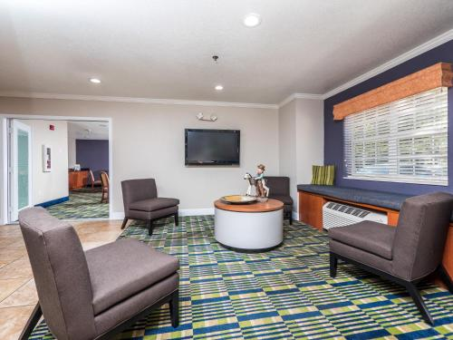 Microtel Inn and Suites Ocala Photo