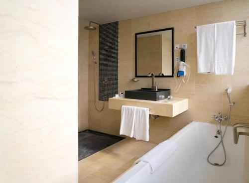 HotelHotel Adef