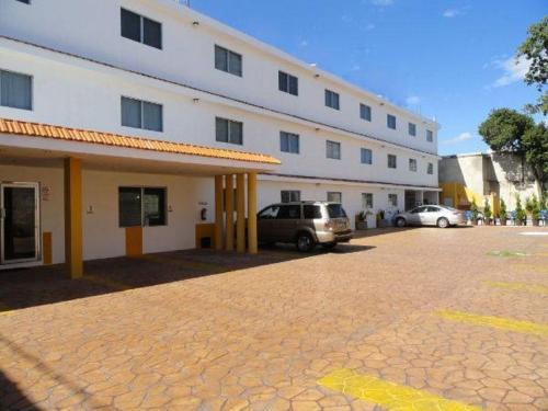 Hotel Las Dalias Inn Photo