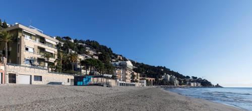 Hotel Residence Sole Mare Alaxi Hotels (Alassio) da 120€ - Volagratis