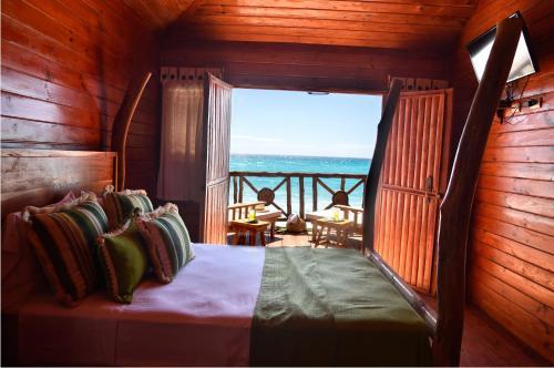 Hotel Sea Breeze Photo