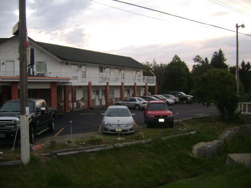 Orangeville Motel - Orangeville, ON L9W 5N9