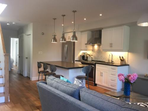 Little Italy Apartment - Toronto, ON M6J 2S2