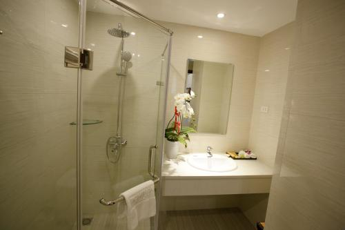 Hanoi Pomihoa Hotel photo 17