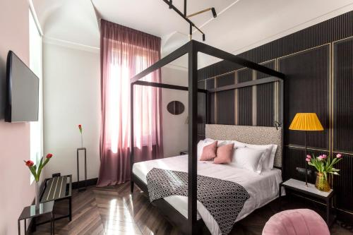 The H\'all Tailor Suite Roma