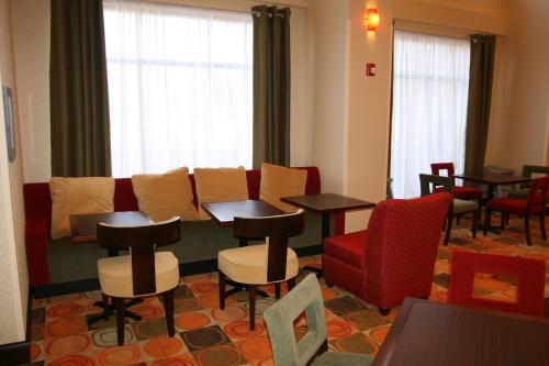 Hampton Inn And Suites East Hartford - East Hartford, CT 06108