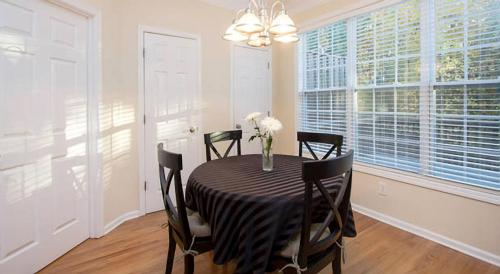 Peaceful Stay At Kennesaw Mt. - Kennesaw, GA 30152