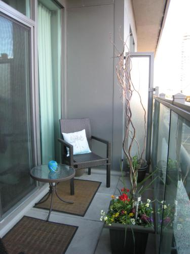 Deluxe Condo In Downtown Toronto - Toronto, ON M5J 3A6