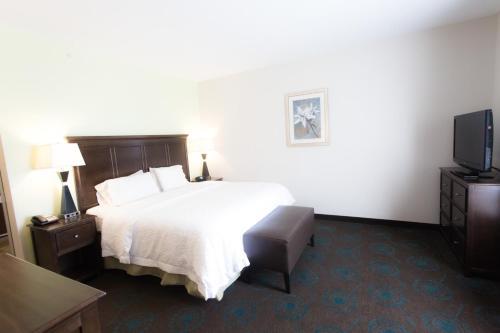 Hampton Inn & Suites Middlebury - Middlebury, IN 46540