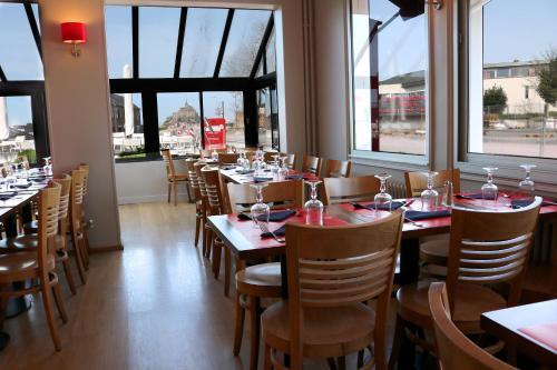 Hotel De La Digue Mont St Michel France