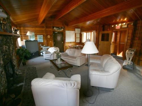Dalton Trail Lodge - Haines Junction, YT Y0B 1L0
