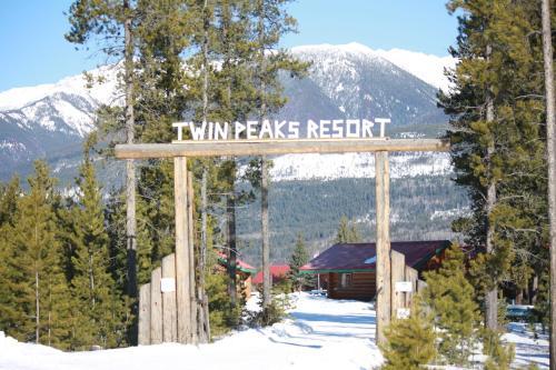 Twin Peaks Resort - Valemount, BC V0E 2Z0