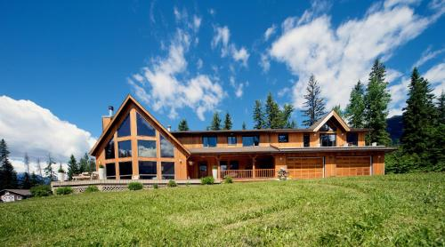 Home Lodge - Golden, BC V0A 1H1