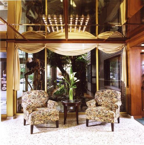 Crest Hotel - Prince Rupert, BC V8J1A8