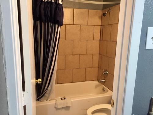Oasis Motel - Arlington, TX 76012