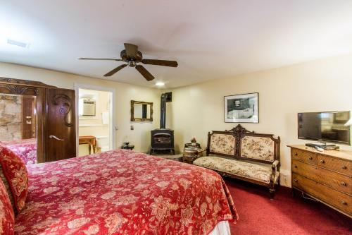 Shady Oaks Country Inn Photo