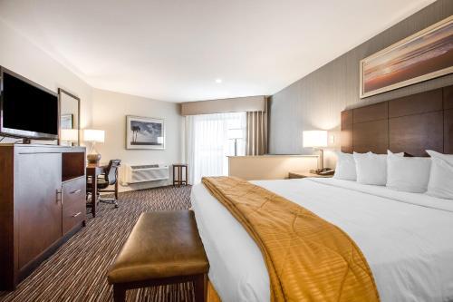 Quality Inn & Suites Hermosa Beach Photo