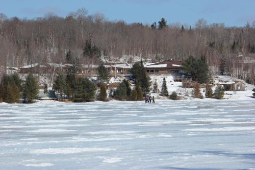 Dunlop Lake Lodge - Elliot Lake, ON P5A 2J7