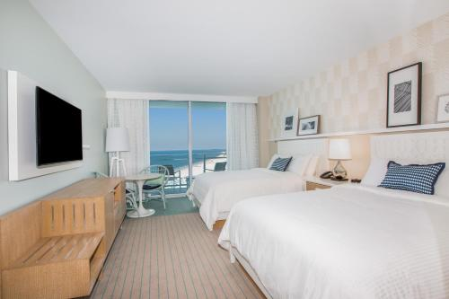 Wyndham Grand Clearwater Beach Photo