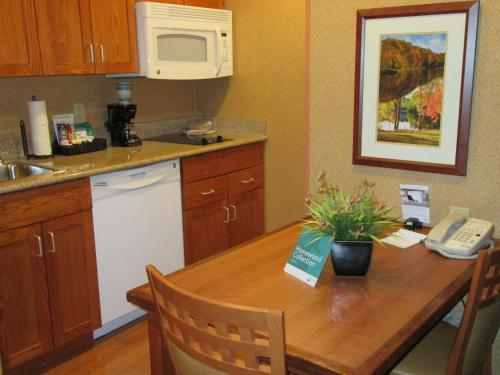 Homewood Suites By Hilton Newburgh Airport Hotel New Windsor