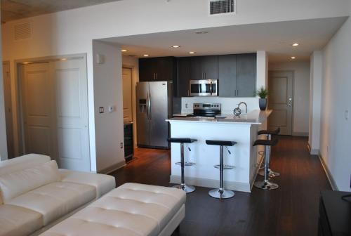 Luxury Penthouse Style Loft In High Rise - Orlando, FL 32801