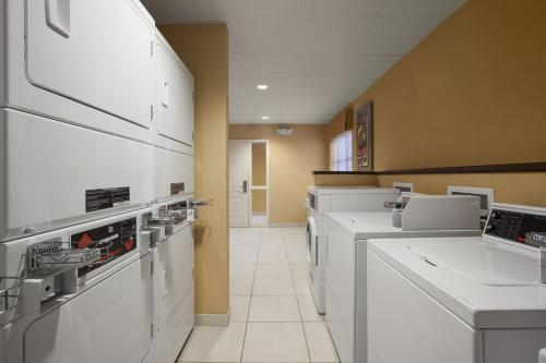 Homewood Suites by Hilton Palm Desert Photo