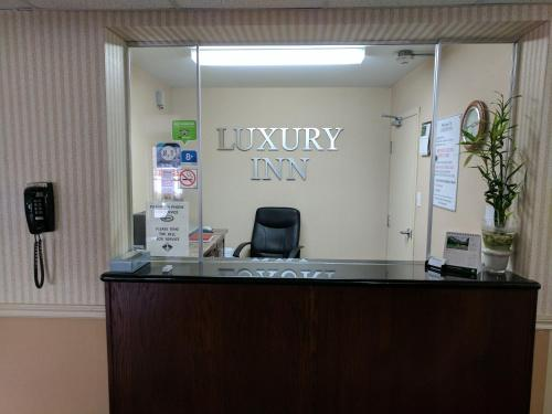 Luxury Inn BC 327588