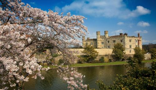 Stable Courtyard Bedrooms At Leeds Castle