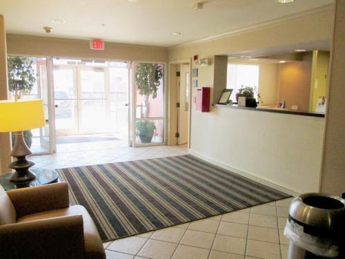 Extended Stay America - Kansas City - Country Club Plaza Photo
