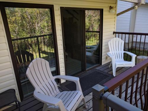 Mountain Edge Holiday Home - Kimberley, BC V1A 3E9