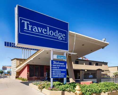 Travelodge Phoenix Downtown Photo