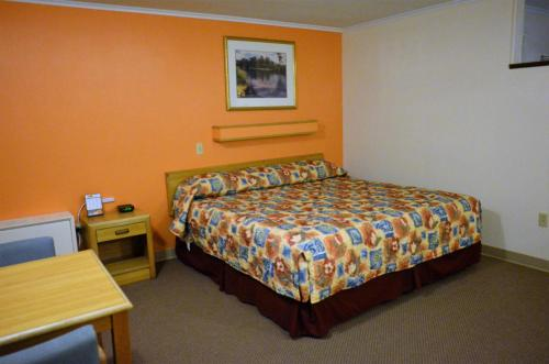 Budget Host Inn - Iron Mountain - Iron Mountain, MI 49801