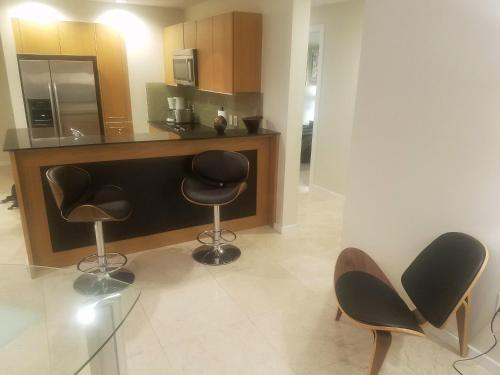 Brickell Deluxe Apartment With Free Parking - Miami, FL 33131