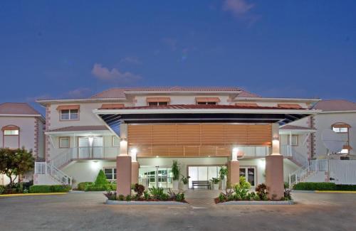 Grand Caymanian Resort