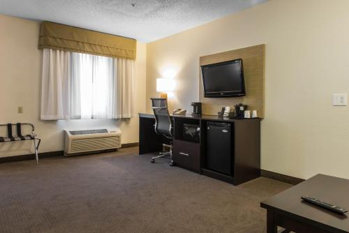 Sleep Inn & Suites Pittsburgh Photo