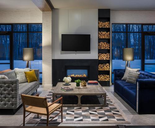 Hotel Zero Degrees Danbury - Danbury, CT 06810