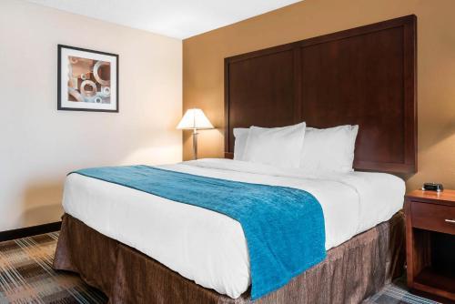 Clarion Inn Near Jblm - Tacoma, WA 98409
