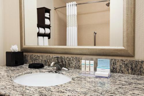 Hampton Inn & Suites San Bernardino Photo
