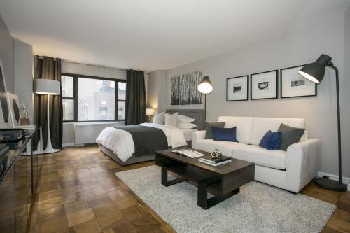 Modern Studio Apartment - Midtown East L, Apartment New York ...
